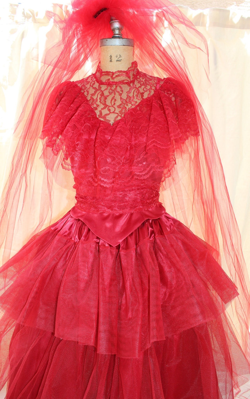 Lydia deetz red wedding dress beetlejuice sz 6 med tim for Lydia deetz wedding dress