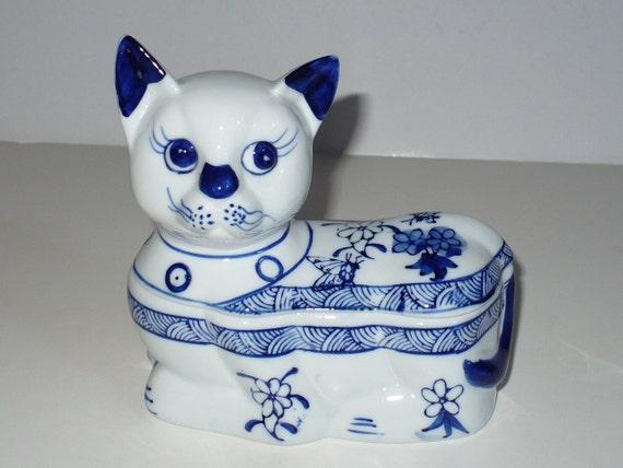 Ceramic Cat Blue White Covered dish, trinket box, jewelry box.