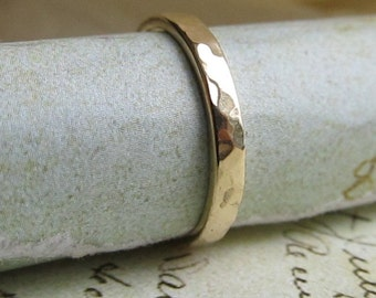 14k Yellow Gold Wedding Band, Bridal, Hammered Metalwork Stackable ring ... 2.5mm