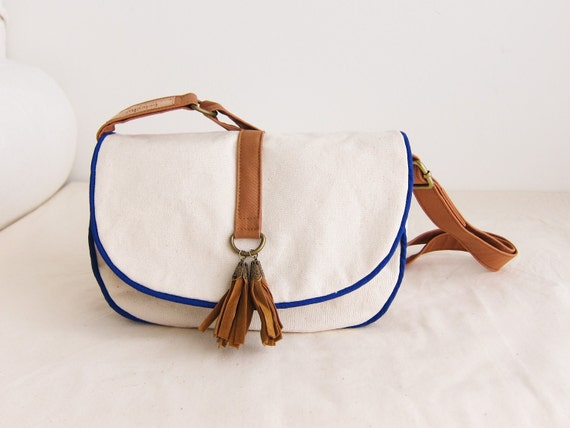 Everyday Adjustable Handbag--off white canvas with blue trim