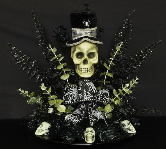 Skeleton Centerpiece With Hat - Item 162