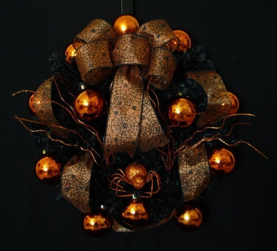 Black and Orange Spider Wreath, Halloween Wreath - Item 320