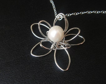 Wire Flower Necklcae, Silver Pearl Pendant Necklace, Bridesmaid Jewelry, Bridesmaid Gift, Sister Jewelry, Bridal Party Gifts
