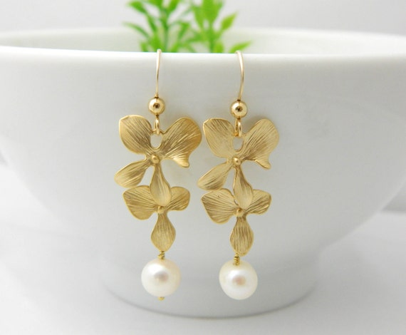 Bridesmaid Orchid Dangle Earrings, Gold Pearl Earrings, Wedding Jewelry, Mothers Jewelry, Bridesmaid Gifts, Orchid Jewelry, Valentine's Gift