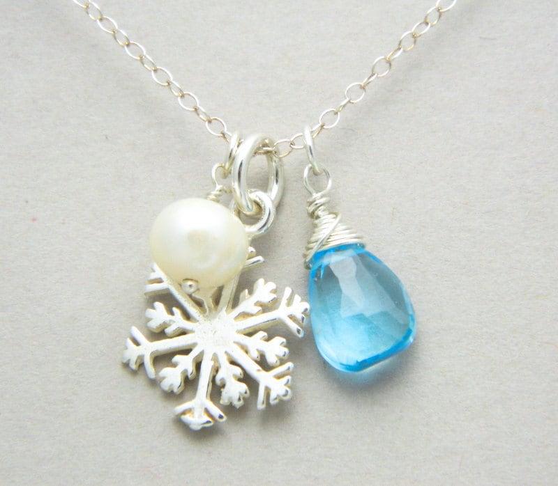personalized snowflake necklace december birthstone necklace. Black Bedroom Furniture Sets. Home Design Ideas
