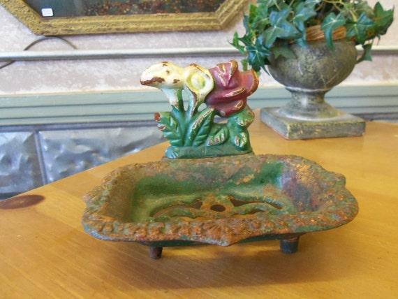 Vintage Iron soap Dish Flowers