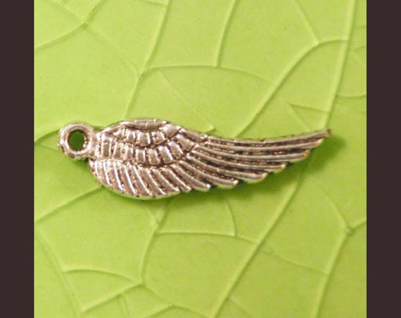 10 silver wings bird angel charms pendants tiny birds angels animal double sided 17mm x 5mm Free Combined Shipping - C0500-10