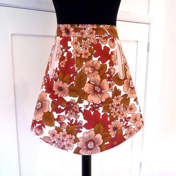 retro 70s vintage fabric apron - funky pink flower design