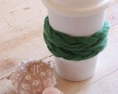 UPCYCLED DOUBLE BRAIDED CASHMERE CUP COZY / emerald