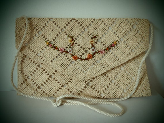 Vintage Straw Clutch with Shoulder Strap Perfect For Summer