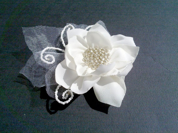 Ivory Bridal Fascinator,Wedding Silk Flower Clip,Champagne Bridal Head Piece with tulle