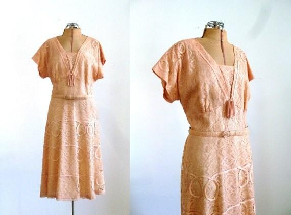 s a l e 1950s Dress / 50s Peach Lace  l-xl