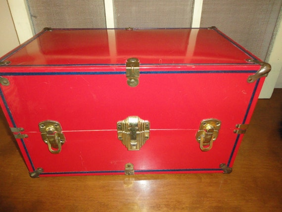"""Metal Steamer Trunk For A 14"""" Doll"""