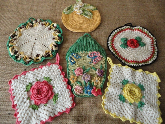 Six Assorted Vintage Potholders Cottage Garden Shabby Chic Country Home