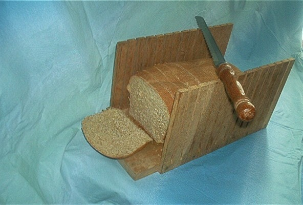 wooden bread slicing guide
