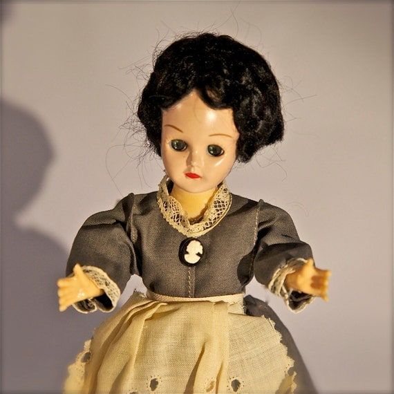 Vintage Collectible Jenny Wade Doll
