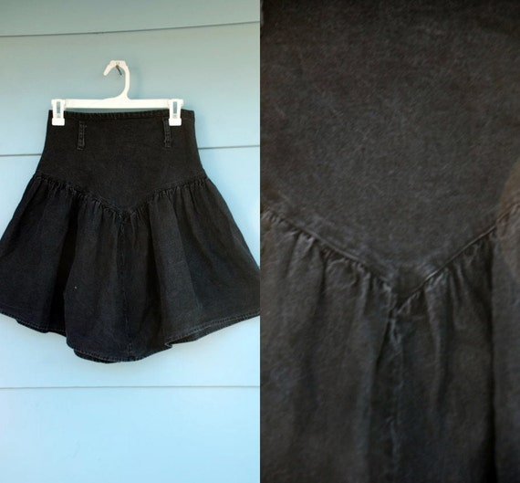 SALE. 1980s. black denim skirt. s