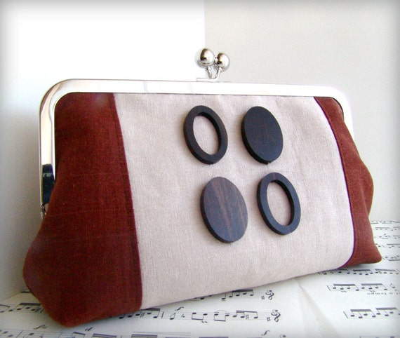Mod clutch bag with wooden beads and linen, fall fashion. Framed clutch purse.