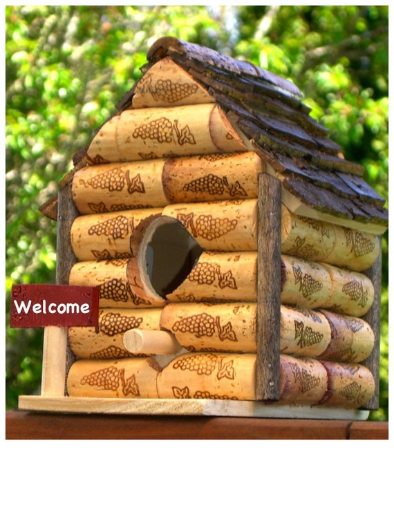 Wine cork birdhouse for How to build a birdhouse out of wine corks