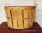 1945 Orchard Basket by JustPlainVintage on Etsy