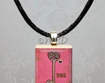Valentine Key XOX Scrabble Tile Necklace S43-25