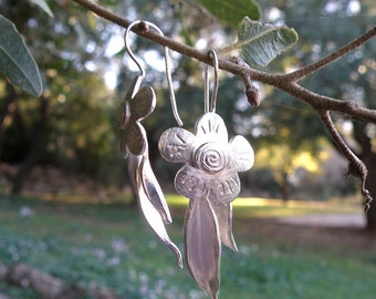Floral Earrings, Silver Flower Earrings Gifts For Her, Flower and Leaves Sterling Silver Earrings, Spring Jewelry, Silver Leaves Earrings