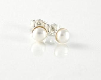 Pearl Earrings Bridesmaid Gift , Pearl Jewelry, White Pearl Post Earrings, Sterling Silver Stud Earrings, Teens Earrings