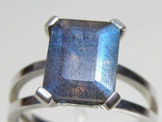Labradorite Sterling Silver Ring, Emerald Cut Faceted Gemstone Ring, Labradorite Ring, Chaton Ring