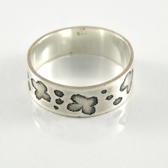 Sterling Silver Floral Ring, Miniature Flowers Silver Band, Tiny Flowers Ring, Floral Jewelry, Etched and Oxidized Ring, Ring For Teens