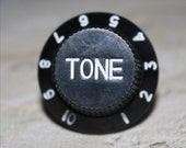 Awesome Fender Guitar Knob Ring TONE