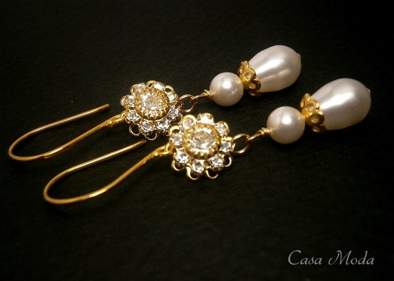 Pearl Crystal Gold Earrings With Swarovski Crystal Filigree Flower And Swarovski Teardrop Pearls ON VACATION