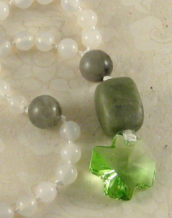 Bright Green - serpentine, white agate, African bloodstone, Swarovski crystal Anglican rosary