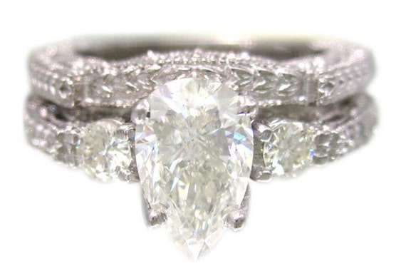 18k white gold pear shape diamond engagement ring and band antique deco 1.15ctw