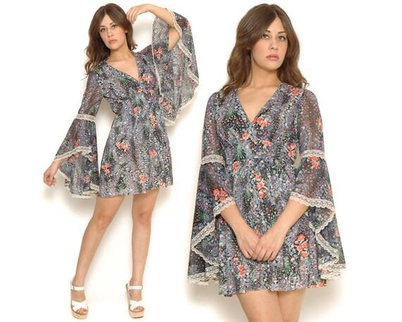 70s Floral Mini Dress Bell Sleeves White Lace Boho Angel Sleeve Hippie / Deep V Empire Waist Dress / SIze S M Small Medium