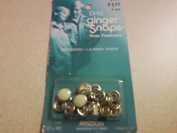 Dritz Ginger Snaps cream colored snap fasteners (1970-80s)