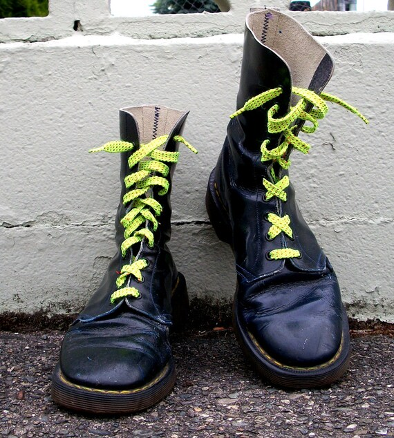 80s Combat the Streets Navy Doc Marten Boots 8.5