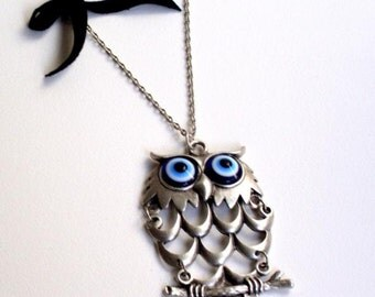 Silver plated resin blue evil eyed owl a perfect gift for the ones you love. Keep yourself away from evil eyes!!! Christmas, halloween