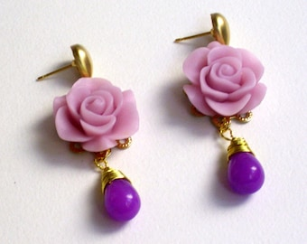 Lila colored jade precious stone earrings, resin, flower, cabochon, wedding, christmas, bridesmaid, lilac