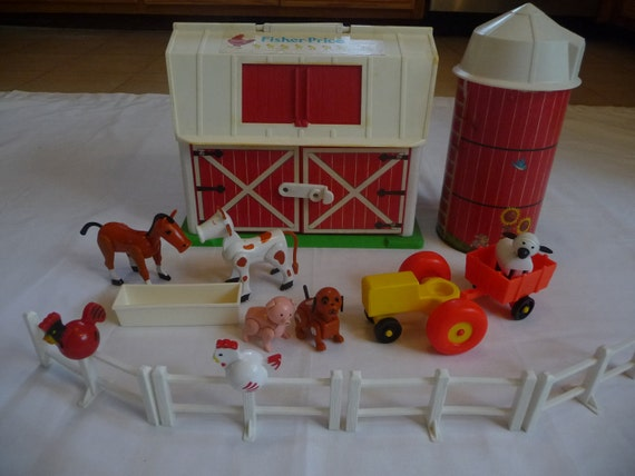 Vintage Fisher Price Little People Farm Set Barn with Animals
