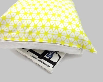 Yellow Throw Pillow Cover, African Style Cushion Cover, Tribal Style, Home Decor, Cushion with Yellow and White Geometrical Shapes,