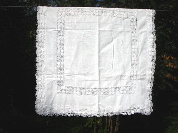 cotton laced pillowcase