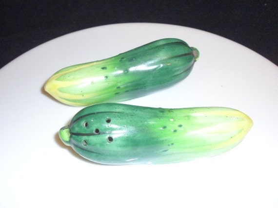Vintage Pickle S/P Shakers