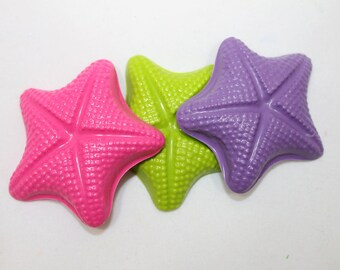 20 fun starfish crayons - in cello bag tied with ribbon