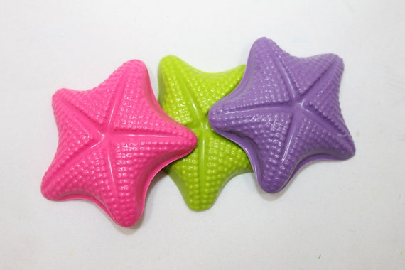 10 fun starfish crayons - in cello bag tied with ribbon