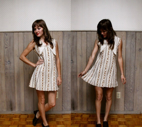 1960s Wildflower Button Up Mini Dress with Dramatic Collar XS - M