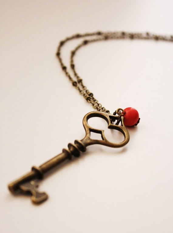 Vintage-Inspired Skeleton Key Long Necklace (VNL-09)