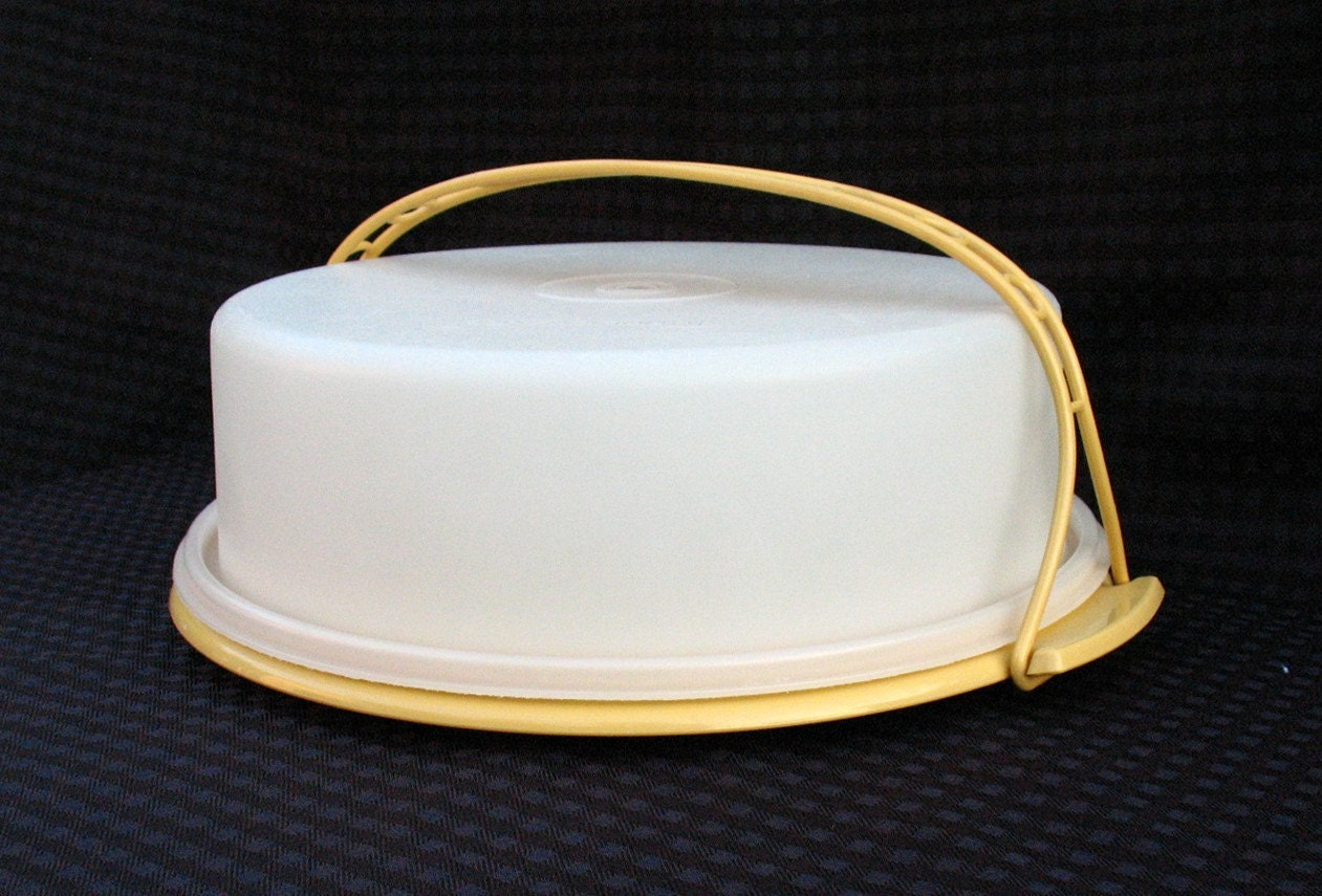 Vintage Tupperware Harvest Gold Pie Taker Carrier With Handle