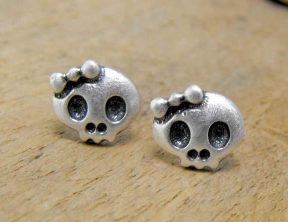 Tiny sterling silver girly skull studs with bow. Two adorable dead girls. Cute and creepy