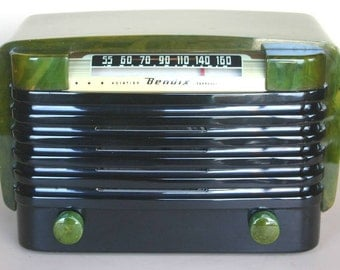 BENDIX CATALIN Model 526C Art Deco Radio (1946)