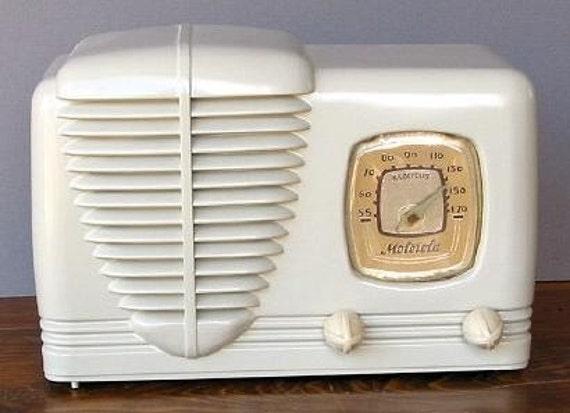 MOTOROLA Model 51A Art Deco Radio (1939)
